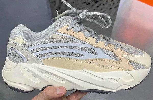 """奶油 YEEZY 700 V2 全新""""Cream""""配色鞋款公布,与天价首发相似"""