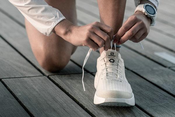 SALOMON INDEX.01 纯白可回收跑鞋释出,环保设计理念