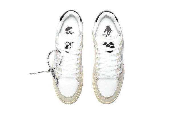 "Off-White 全新""Daily Driver""5.0 低帮鞋款发售~"